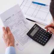 Comment établir correctement une facture ? Mentions obligatoires et gestion d'une facture