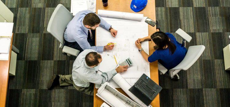 Pour vos réunions, misez sur une table fonctionnelle