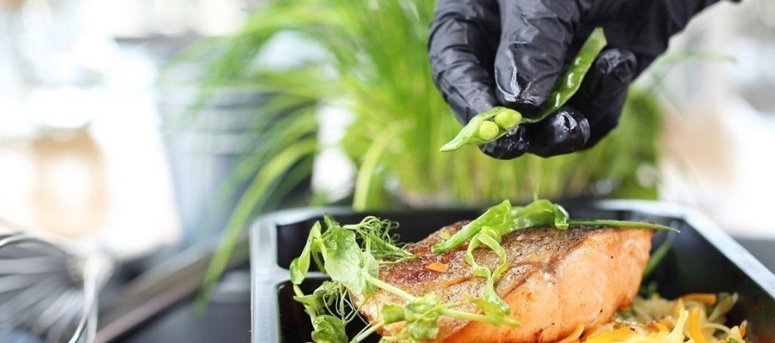 La barquette alimentaire : un outil plus que jamais indispensable pour les cuisiniers