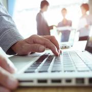 Travailler comme salarié d'une ESN ou en tant que consultant indépendant ?